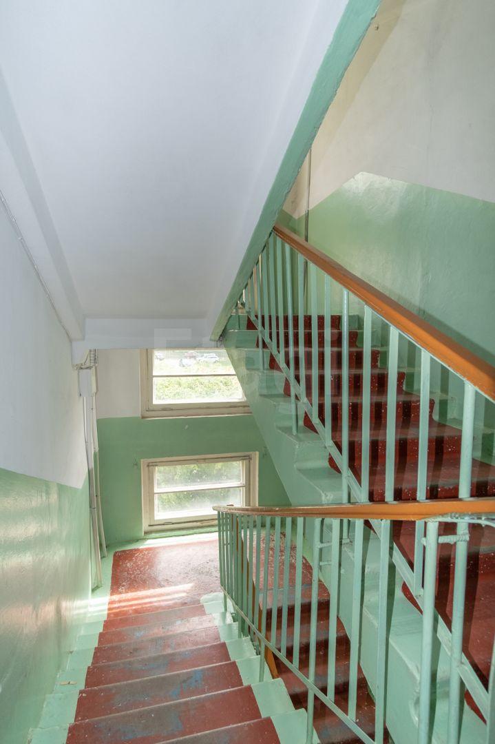 Продажа 3-комнатной квартиры, Златоуст, Строителей,  12