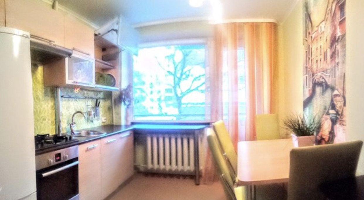 Продается четырехкомнатная квартира за 3 990 000 рублей. Городской парк, ул. Рахова (59.2 км до центра).