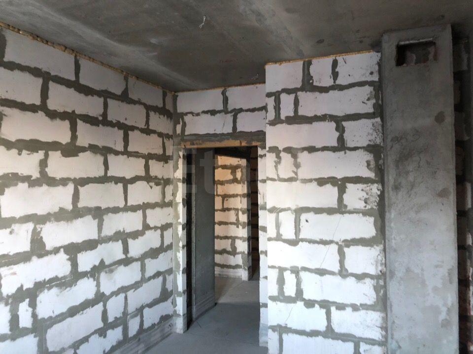 Продается двухкомнатная квартира за 4 602 000 рублей. Привокзальный, ул. Макаренко, д. 7 (4.2 км до центра).