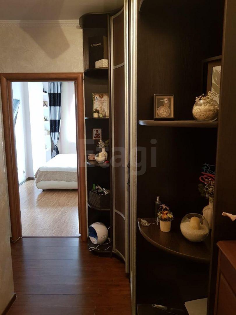 Продается двухкомнатная квартира за 5 200 000 рублей. Авиапорт, ул. Можайского, д. 13 к7 (5.8 км до центра).