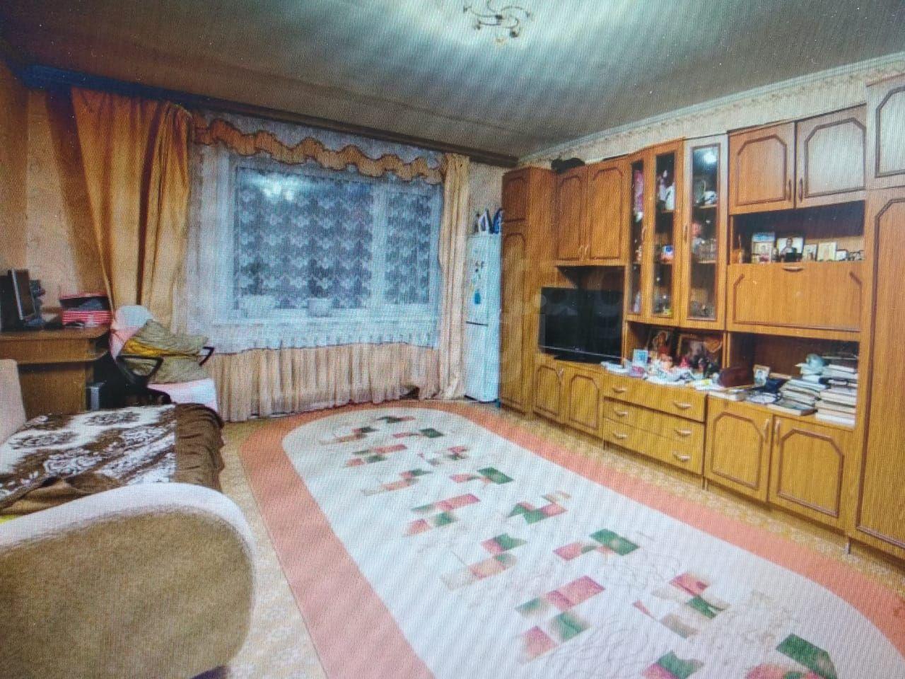 Продается трехкомнатная квартира за 3 900 000 рублей. Микрорайон, ул. Студенческая, д. 34 к3 (1.9 км до центра).