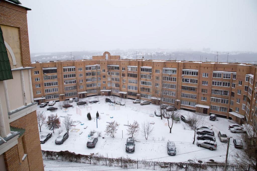 Продается четырехкомнатная квартира за 8 700 000 рублей. Мира площадь, ул. Космонавта Комарова, д. 33 (1 км до центра).