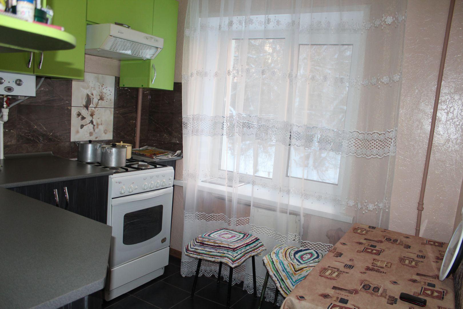 Продается однокомнатная квартира за 1 500 000 рублей. Заводской, ул. Карачевское шоссе, д. 3 (3.5 км до центра).