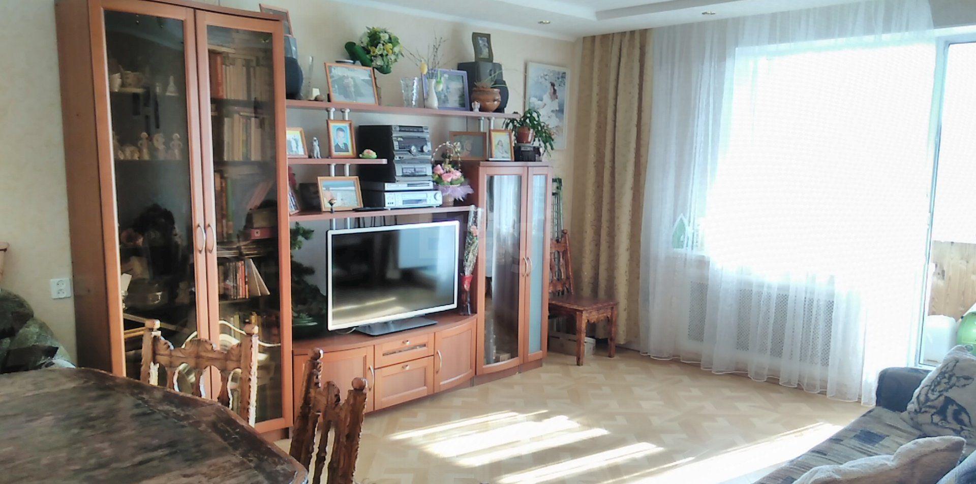 Продается четырехкомнатная квартира за 2 999 000 рублей. Северный, ул. Остинская, д. 52 (2.8 км до центра).