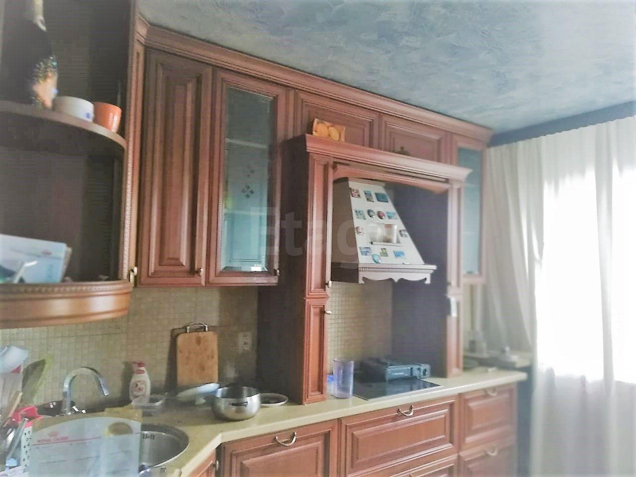 Продается четырехкомнатная квартира за 9 400 000 рублей. Третья рабочая, ул. Шилкинская, д. 11.