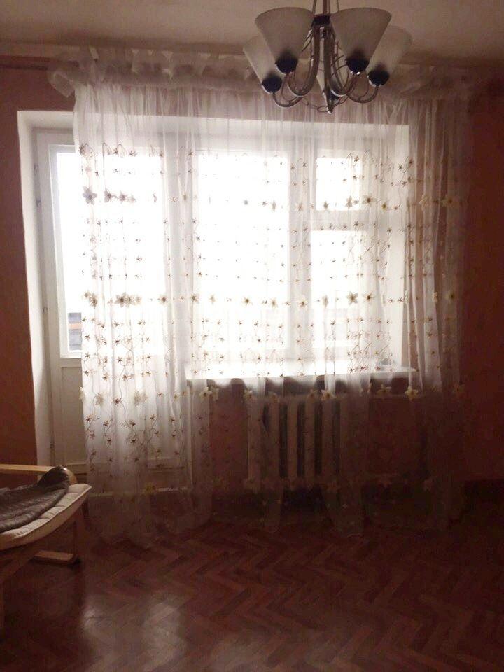Продается трехкомнатная квартира за 3 850 000 рублей. Центр, ул. Карла Маркса, д. 50 (0.9 км до центра).