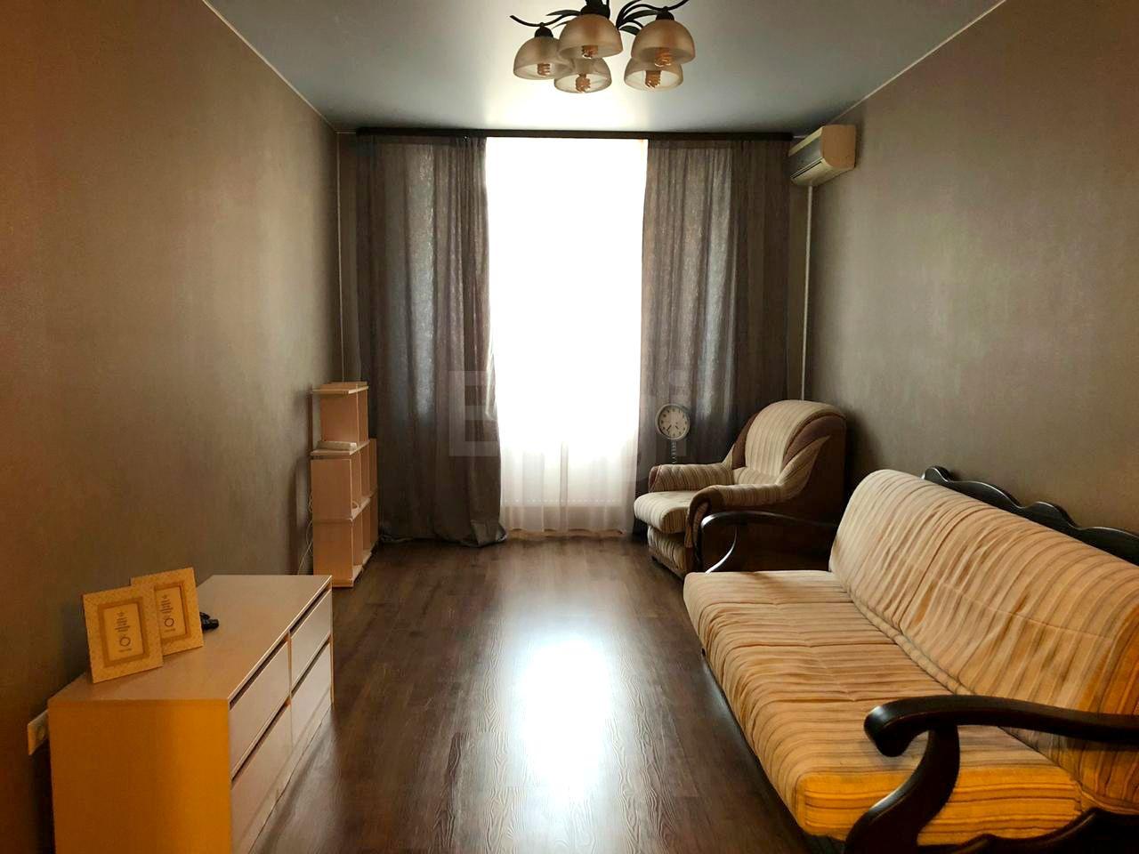 Продается однокомнатная квартира за 3 400 000 рублей. КМР, ул. Максима Горького (9.4 км до центра).