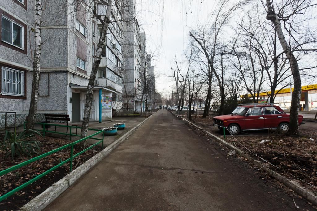 Продается трехкомнатная квартира за 3 400 000 рублей. КМР, ул. Уральская (11.3 км до центра).