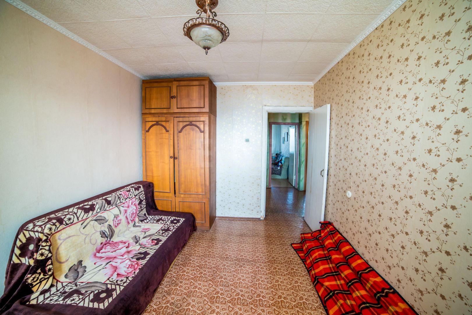 Продается трехкомнатная квартира за 7 000 000 рублей. Луговая, ул. Невельского, д. 4.
