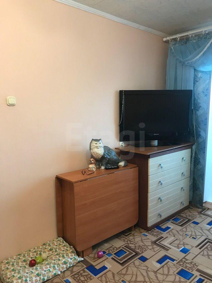 Продается однокомнатная квартира за 1 200 000 рублей. Поликлиника, ул. Полярная, д. 19 (1.2 км до центра).