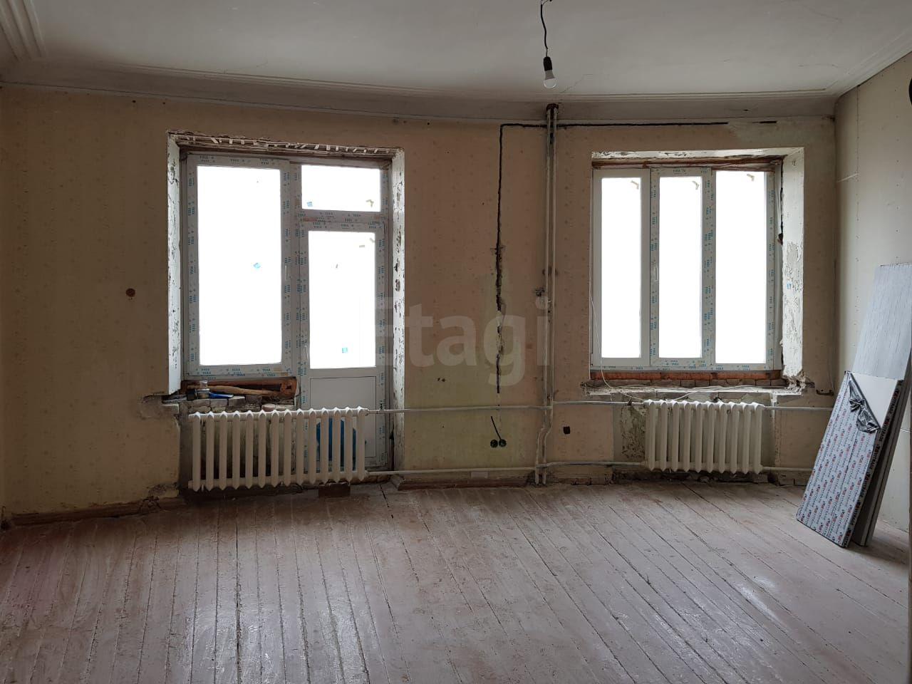 Продается трехкомнатная квартира за 3 770 000 рублей. Кировский, ул. Богатырева, д. 2 к5 (3.7 км до центра).