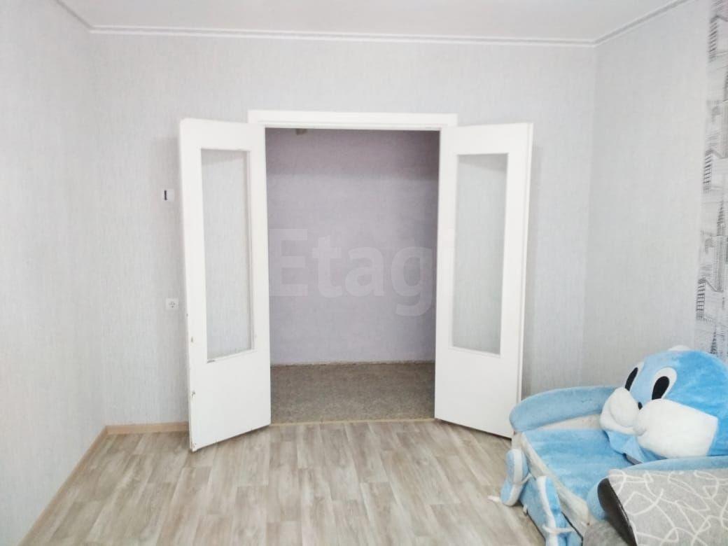 Продается двухкомнатная квартира за 1 870 000 рублей. ВТС мкр, ул. Гоголя, д. 120в (3.6 км до центра).