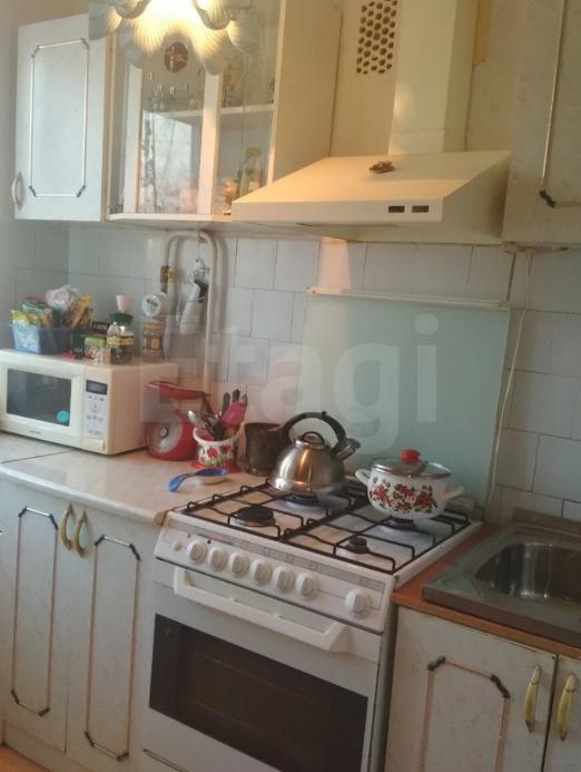 Продается четырехкомнатная квартира за 2 850 000 рублей. Индустриальный, ул. Свиязева, д. 46 к2 (6.5 км до центра).