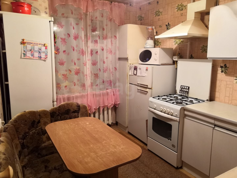 Продается пятикомнатная квартира за 4 000 000 рублей. Ленинский, ул. Ахметова, д. 304 к2 (7.1 км до центра).