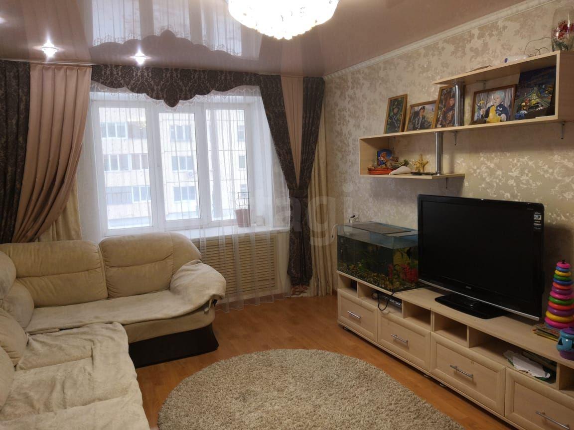 Продается двухкомнатная квартира за 1 740 000 рублей. ВТС мкр, ул. Гоголя, д. 120 (3.6 км до центра).