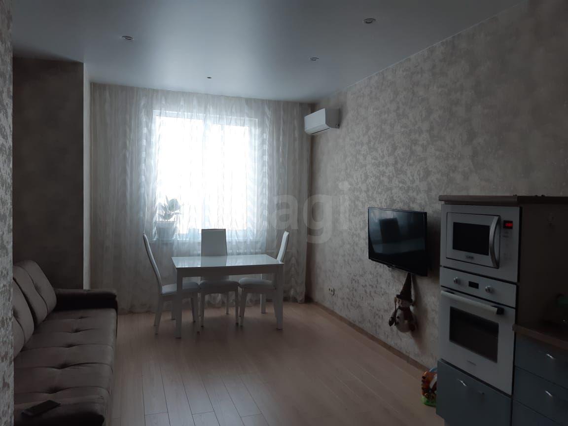 Продается двухкомнатная квартира за 4 300 000 рублей. Рудничный, ул. Осенний б-р, д. 12 (11.5 км до центра).