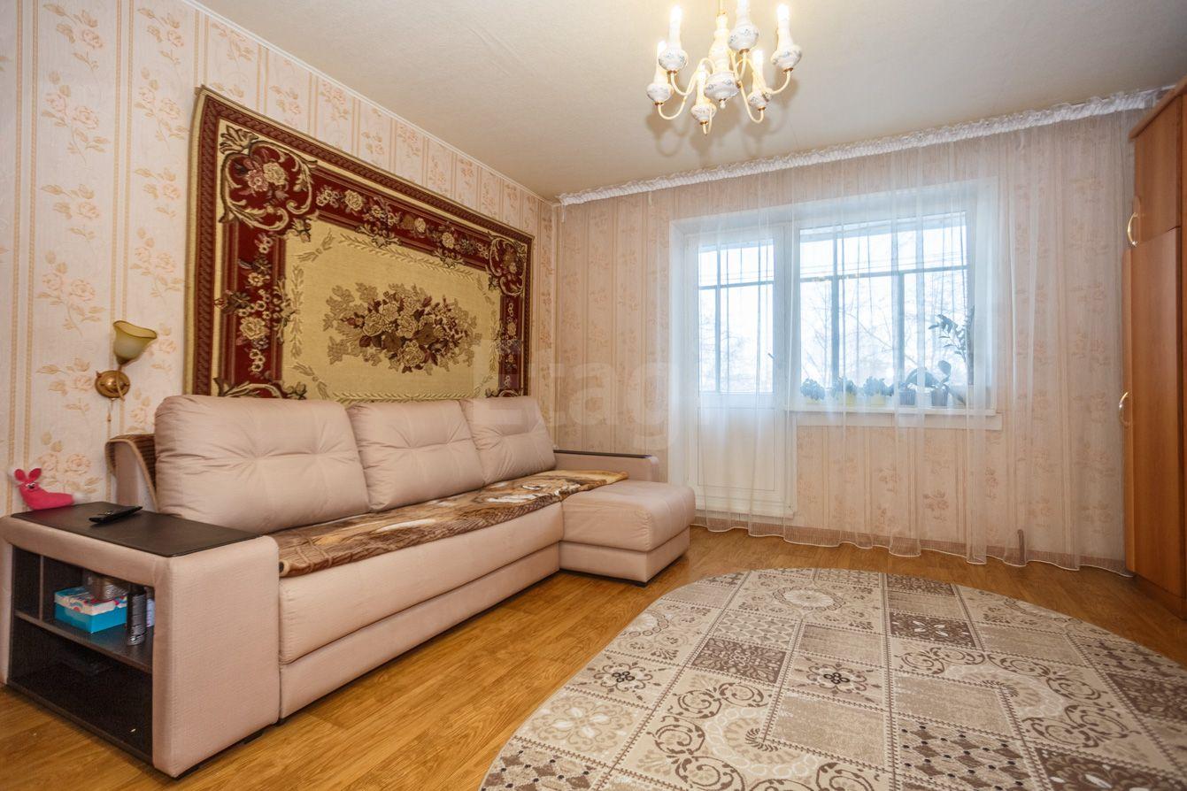 Продается трехкомнатная квартира за 2 000 000 рублей. Машгородок, ул. Олимпийская, д. 3 (13.3 км до центра).