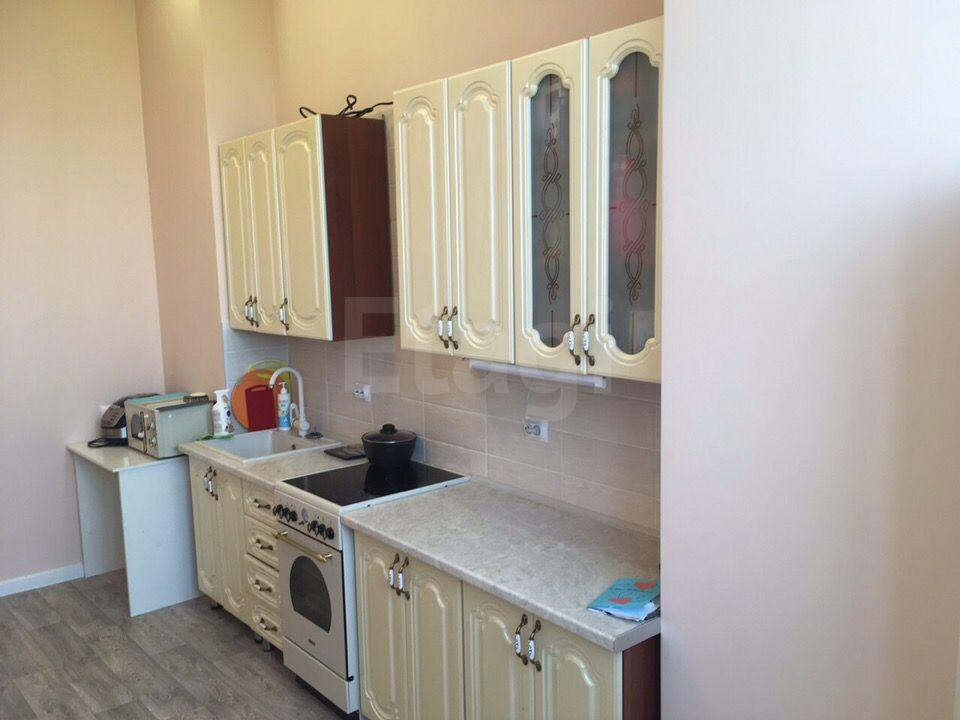 Продается трехкомнатная квартира за 3 150 000 рублей. 110 квартал, ул. 110 квартал, д. 1 (7.4 км до центра).