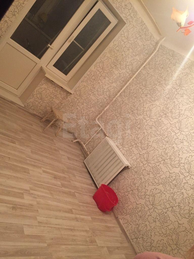 Продается трехкомнатная квартира за 2 450 000 рублей. район ул. Ленинградской, ул. Ярославская, д. 16б (3.1 км до центра).