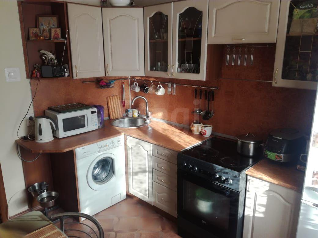 Продается двухкомнатная квартира за 2 550 000 рублей. Железнодорожный, ул. Переверткина, д. 47 (3.7 км до центра).