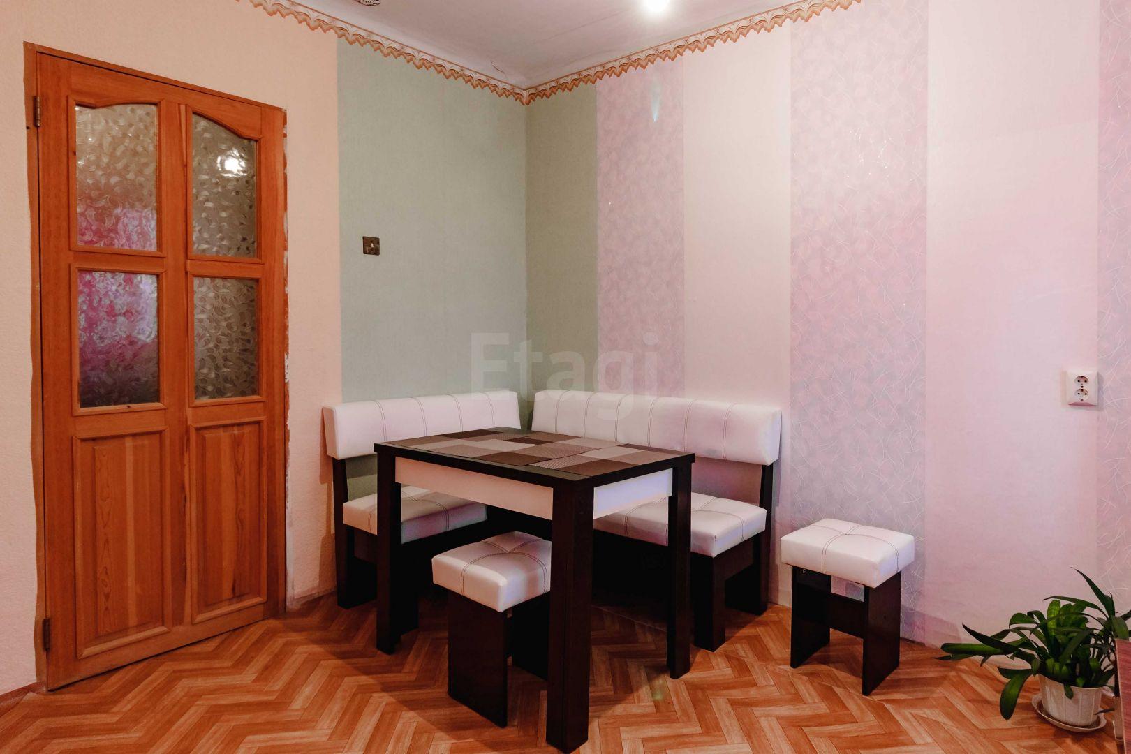 Продается четырехкомнатная квартира за 2 500 000 рублей. Ленинский, ул. Копылова пр-т, д. 32 к2 (5.1 км до центра).