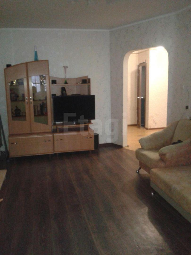 Продается четырехкомнатная квартира за 5 500 000 рублей. Белое озеро, ул. Можайского, д. 27 к2 (6.5 км до центра).