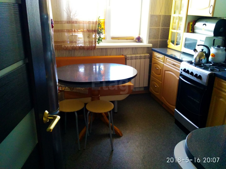 Продается трехкомнатная квартира за 2 500 000 рублей. ГГМ, ул. Октябрьский пр-т, д. 1 (4.9 км до центра).