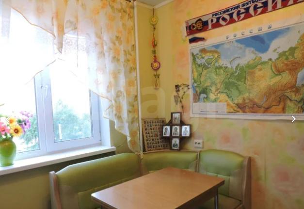 Продается трехкомнатная квартира за 2 800 000 рублей. ГГМ, ул. Октябрьский пр-т, д. 28 (4.6 км до центра).