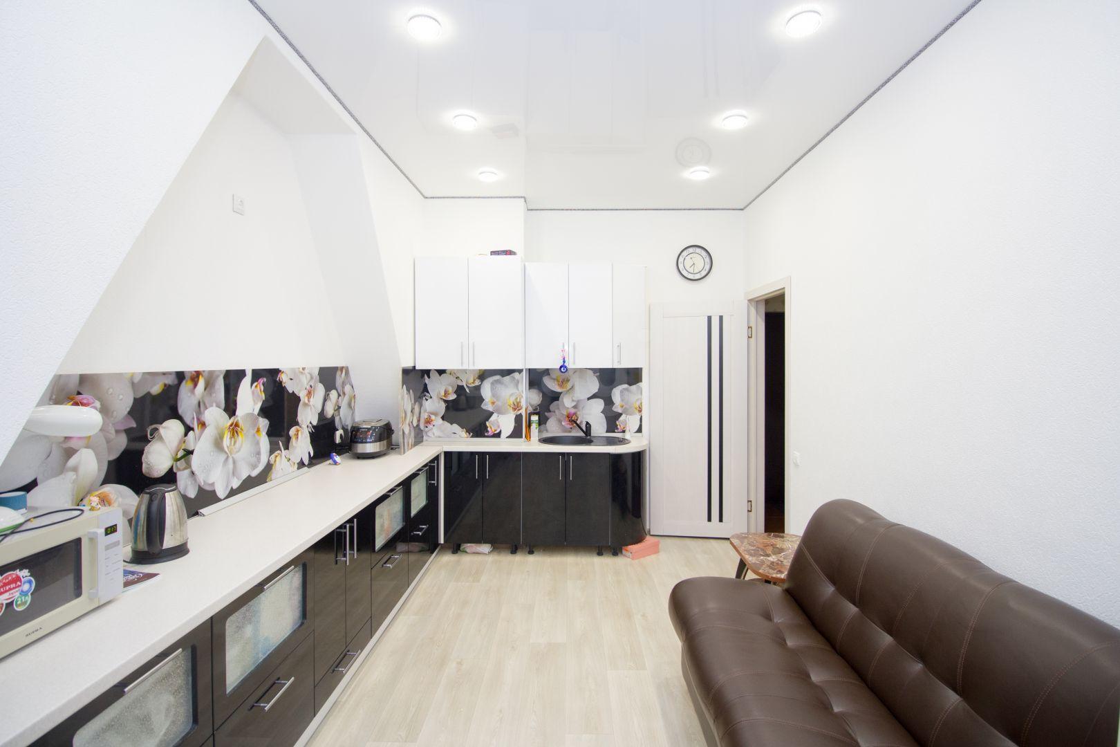 Продается однокомнатная квартира за 3 950 000 рублей. Строителей, ул. Строителей мкр., д. 7 к2 (3.1 км до центра).