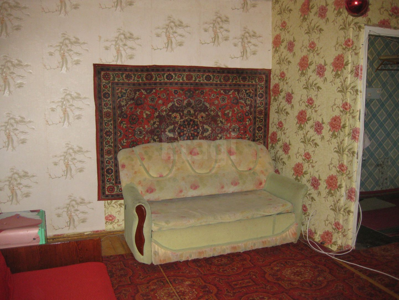 Продается двухкомнатная квартира за 790 000 рублей. Машзавод, ул. Грибоедова, д. 14 (7 км до центра).
