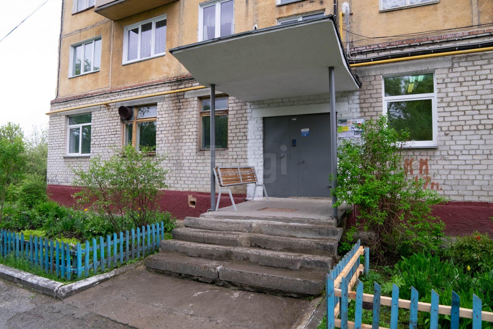 Продается трехкомнатная квартира за 2 500 000 рублей. Гагарина Ю.А. пр-т, ул. 4-я линия пр-та им. Ю.А. Гагарина, д. 11а (569 км до центра).
