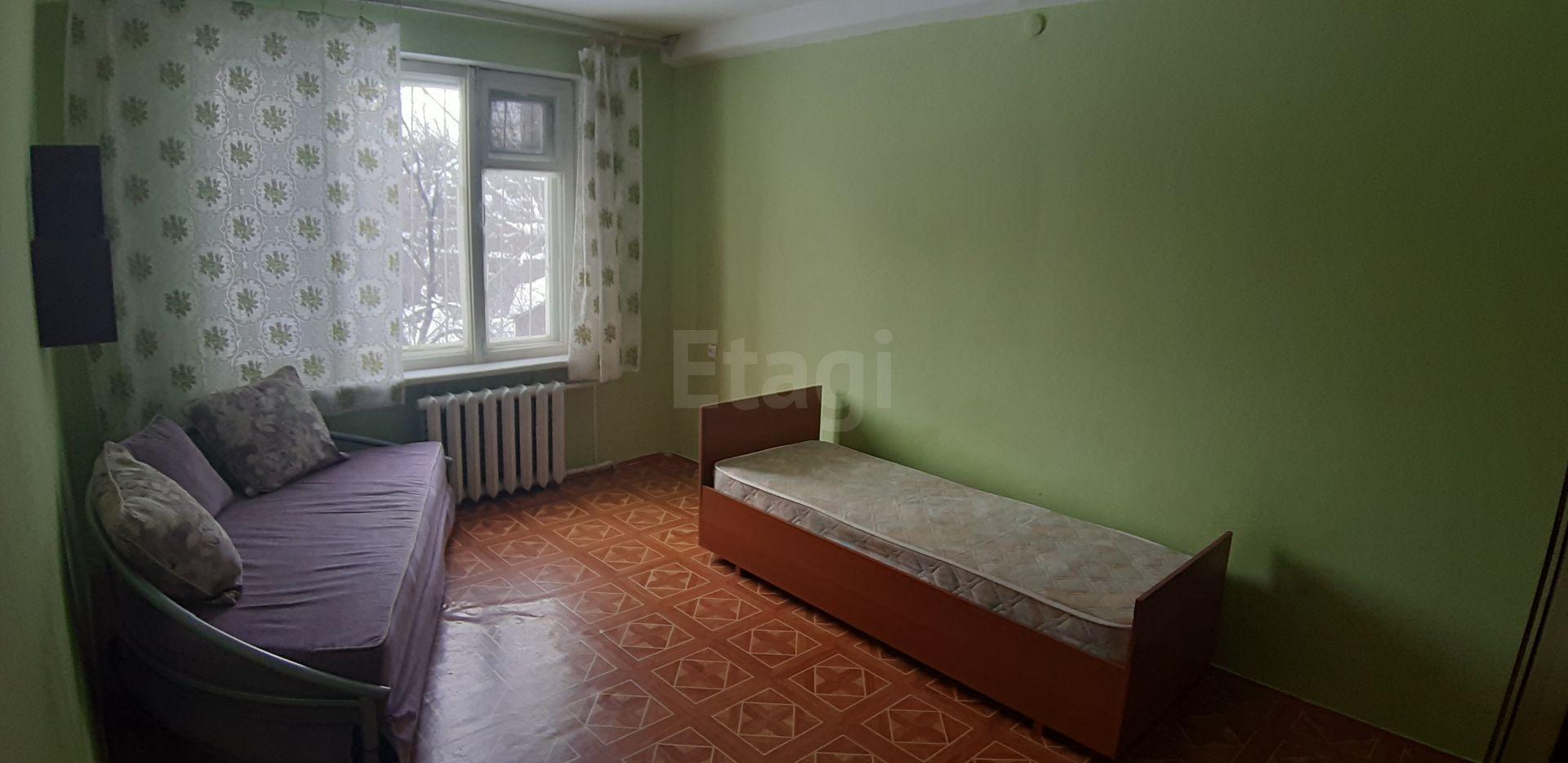 Продается двухкомнатная квартира за 1 600 000 рублей. СХИ, ул. Магнитный 2-й проезд (3.3 км до центра).
